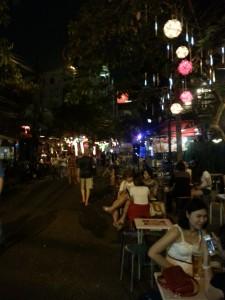 Pirma naktis Tailande